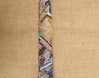 perlenbestickte women's tie