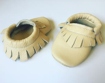 Leather Toddler Moccasins, Kids Moccs, Baby Moccasins Shoes, Moccasins, Baby Moccasins, Moccs, Boho Baby Clothes, Gifts For Kids, Baby Gifts