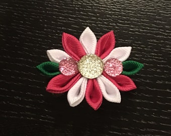 Pink and White Kanzashi flower hair bow.