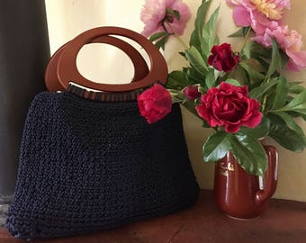 Crochet bag with wooden handles