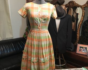 Cute 1950 Day dress