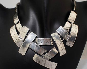 Geometric Choker Necklace with Attitude