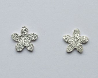 Flower earrings, flower studs, silver flower earrings, silver flower studs, silver studs,