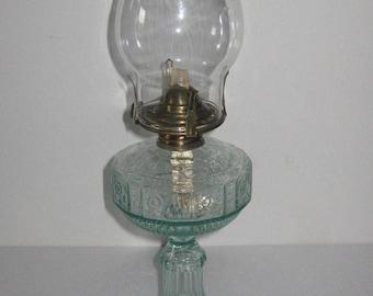 Vacuum OIl Company Greenish Glass Kerosene Lamp 1900 - 1940 IN GOOD CONDITION