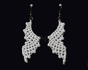 Handmade Macrame earrings by KritysKrafts