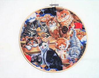 Cat Hoop Art, 9 inch Hoop Art, Kitten Quilt Art, Quilted Framed Art, Quilted Fiber Art, Hoop Decor, Quilted Wall Decor, Quiltedartcreations