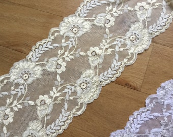 Cream stretch lace, fabulously pretty floral lace