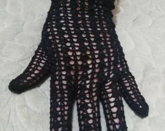 Crocheted gloves