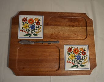 Vintage retro mod cheese board with 2 mixed colour floral ceramic tiles