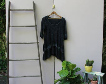 Black Floral Embroidery Tunic