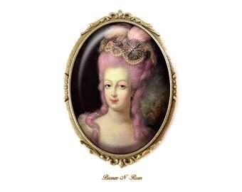 PIN pin Coquette Antoinette cabochon retro vintage pink