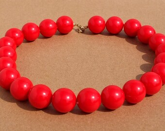 Vintage Red Beaded Necklace - Chunky Round Red Plastic Beads, Rockabilly Necklace, Costume Jewellery