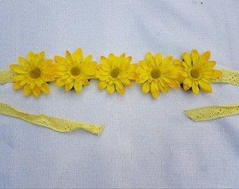 Sunny yellow daisy chain headband