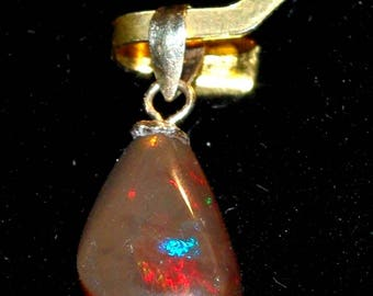 Opal chocolate from Ethiopia of 3.90 pendant Carat (video)