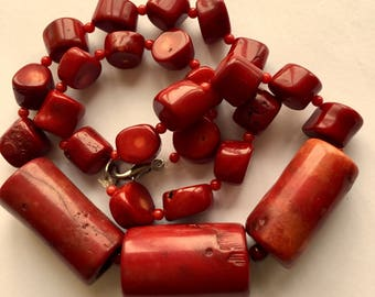 Necklace of red corals