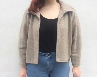Spring jacket with shoulder pads