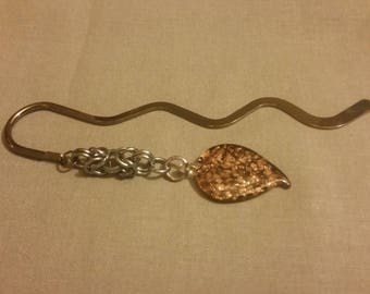 Bookmark with chain mail accent