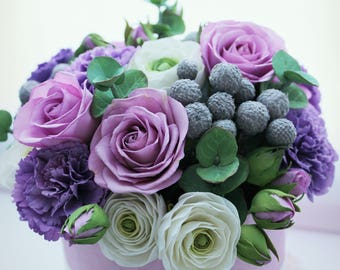 Flowers in a box. Flower composition. Flowers in vase. Handmade flowers. Цветы ручной работы в шляпной коробке