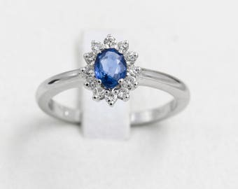 18 kt White Gold Ring with diamonds and sapphire, handcrafted