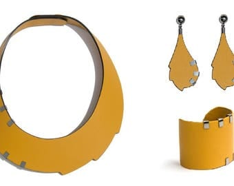 Emma Necklace + Bracelet + earrings mustard-covered with leather