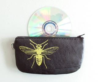 Wasp Pouch with Extra Pocket on the Back
