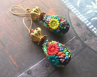 las linternas iluminadas - mexican embroidery inspired earrings