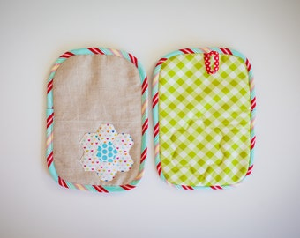 Linen and hearts hexie flower hot pads