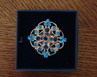 magnetic brooch, blue rhinestones