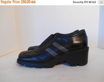 90s black leather shoes womens  Size 8