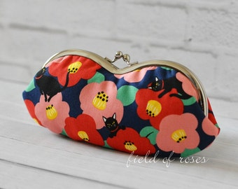 Women's Sunglass Eyeglass Case Kisslock Glasses Case Frame Pouch Camellia and Black Cat Kimono Japanese