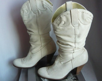 Vintage Leather Dingo Slouch Boots / Women size 7 b Eur 37 .5 UK 4 .5  / WESTERN Chunky High Heels Riding Boot / Winter WHITE  made Brazil