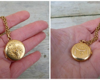 Vintage Antique French 1890/1900 Victorian  gold plated repousse photo locket pendant necklace
