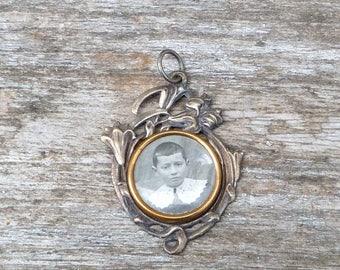 Vintage Antique 1890/1900  French Victorian silver photo locket pendant Art nouveau