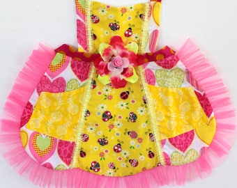 Spring time Lady Bug Apron, ladybug toddler apron,  girls apron, accesories, apron, dress up, costume