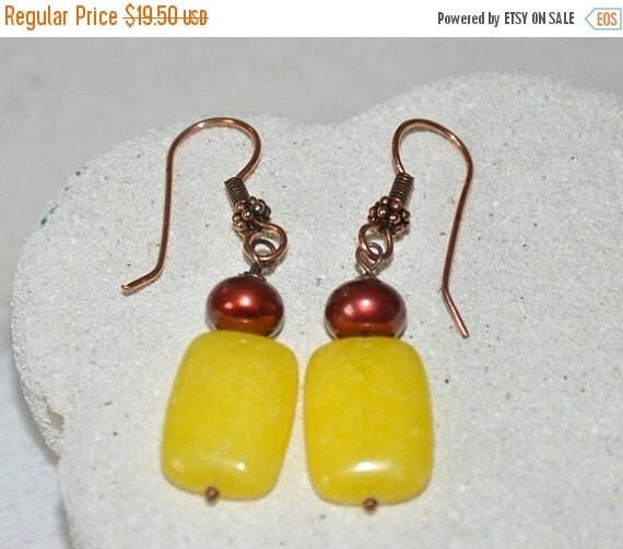 SALE Yellow Jade earrings- Jade, Freshwater pearls, copper, Gemstone Earrings, Dangling Earrings