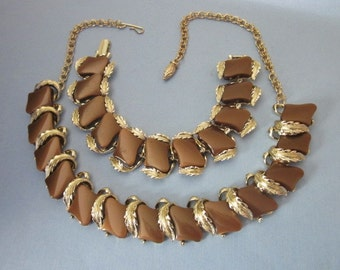 Vintage Thermoset Lucite Necklace and Bracelet Set