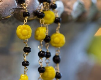 Vintage Beaded Chain Yellow Glass Flowers Black Beads chn060