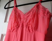 1980s pink slip / 80s full slip in shocking pink / Vanity Fair dress slip
