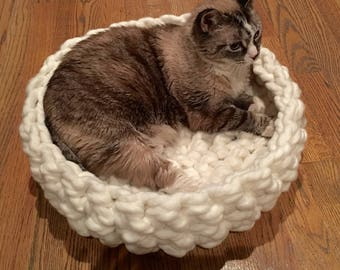 Cat Bed - Chunky Knit Cat Bed, 18 x 5 inches - Crochet cat bed or small dog bed - Off-White Pet Bed