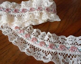 1 yd Vintage Petite Pink Rose Flwer & Ecru Lace Sewing Ribbon Trim