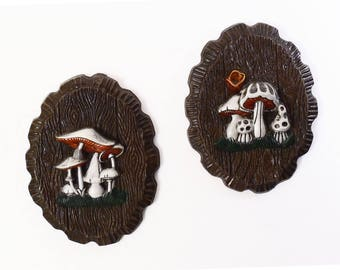70's MUSHROOMS kitschy wall sculpture // vintage cottage decor /// woodland cabin // faux wood