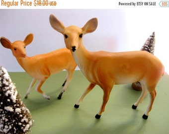 HOLIDAY SALE - Vintage Pair of Hard Plastic Deer, Doe and Fawn