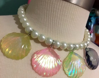Holographic Rainbow Mermaid Seashell Charms White Faux Pearl Necklace