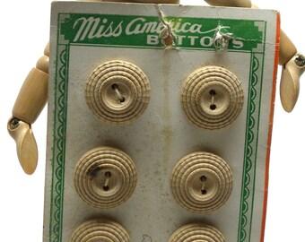 """Vintage Set of  6  Art Deco 1930s Beige Carved WOOD FLOWER  BUTTONS on Original Miss America Card  3/4""""  17mm"""