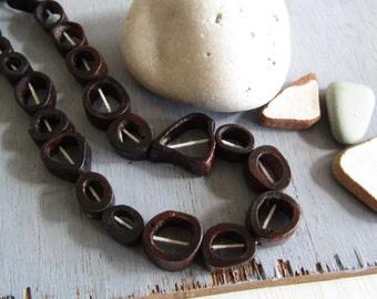 Brown Bone beads,  triangle round freeform donut shape , irregular bead frame, Rustic ethnic supplies 13 to 20 mm ( 10 beads ) 6db4-9