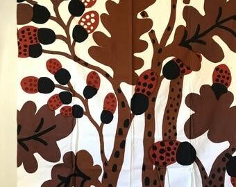 vintage Marimekko fabric - Katsuji Wakisaka designer yardage - oak leaves acorns - 1974