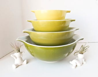 Pyrex Bowl Set, Mixing Bowl Set, Pyrex Mixing Bowls, Verde Cinderella Bowls, Hombre Green, Milk Glass Bowls