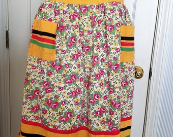 Vintage Half Apron Gold with Roses and Daisies