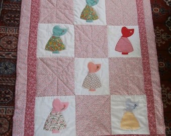 VINTAGE SUNBONNET QUILT Crib Size 31 x 38 inches made  with vintage Sue's and vintage fabric
