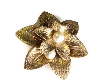 Vintage Upcycled Jewelry Flower Magnet, Gold Toned with Faux Pearls,  Home Decor